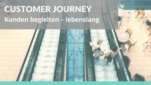 Foto: Rolltreppe mit Kundinnen Text: Customer Journey: Kunden begleiten – lebenslang