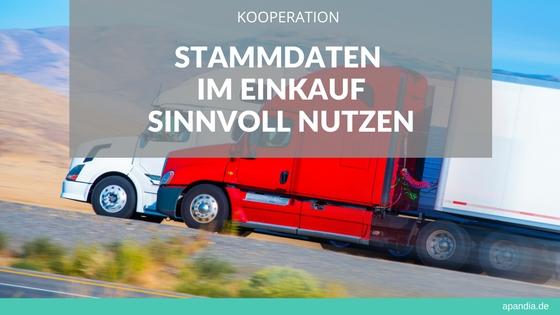 Bild zweier LKWs auf der Straße. Text: Stammdaten im Einkauf sinnvoll nutzen